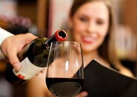 Conèixer i saber vendre els vins en el restaurant a càrrec de Laura Masramon